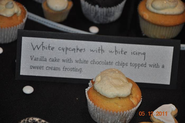 white chocolate chip cupcakes wedding